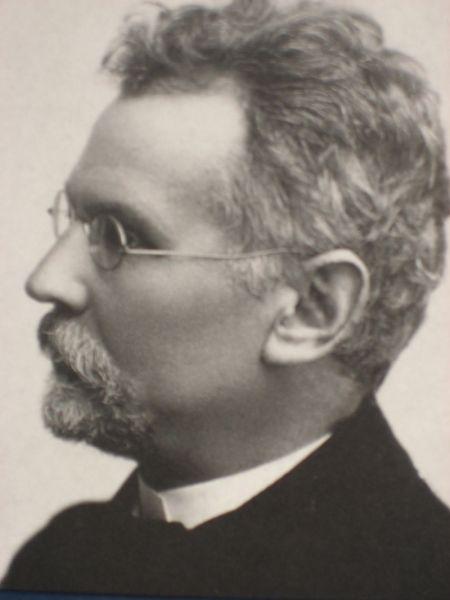 b_800_600_0_00_https___upload.wikimedia.org_wikipedia_commons_thumb_9_93_Bolesław_Prus_(ca._1905).jpg_800px-Bolesław_Prus_(ca._1905).jpg